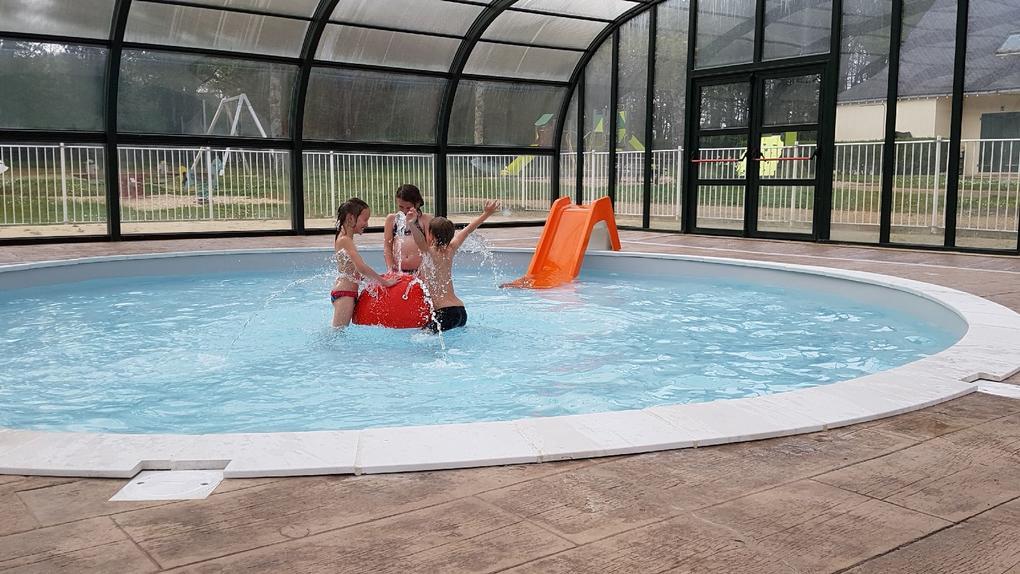 piscine au camping Saint Laurent à Ploemel
