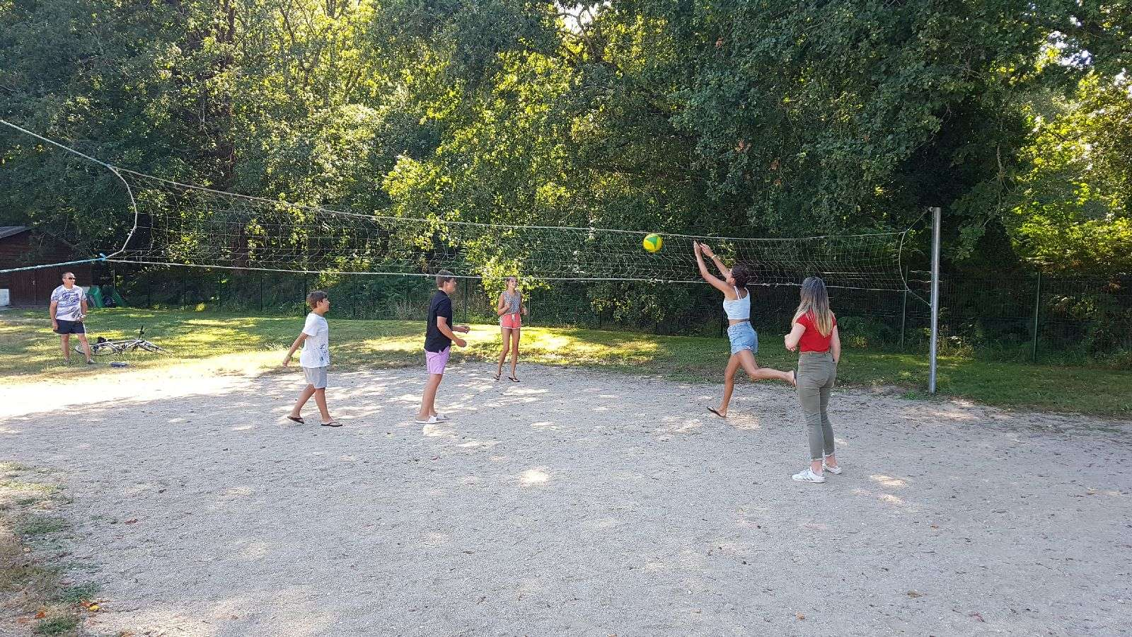 volley au camping Saint Laurent à Ploemel