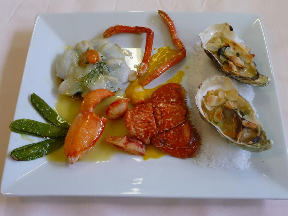 Plat Fantaisie de homard et médaillons de lottes Restaurant Le Ratelier Carnac