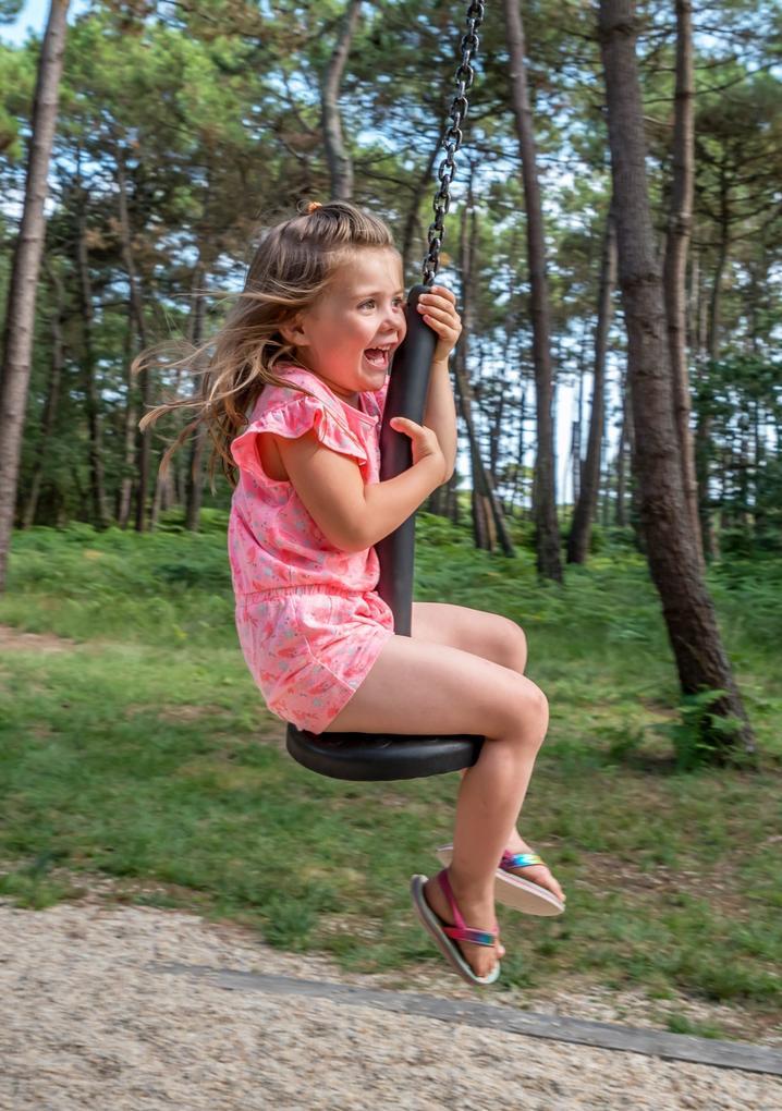 activites-enfants_tyrolienne_camping-les_bruyeres_carnac