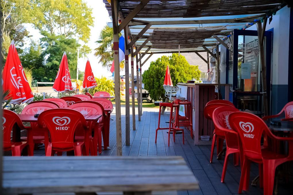 bar-restaurant-l-autenthique_camping-plijadur_la-trinite-sur-mer