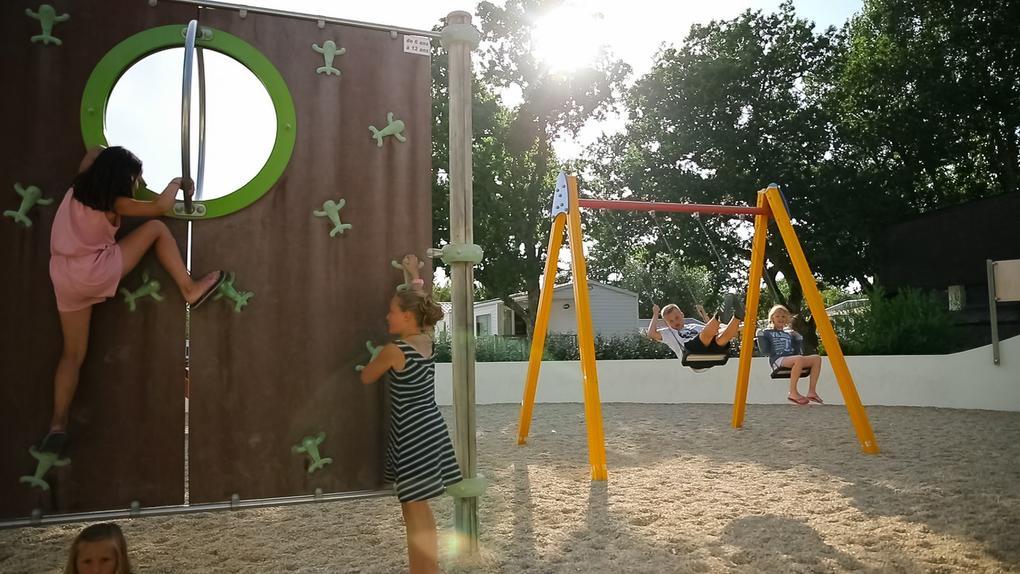 jeux_enfants_camping-plijadur_la-trinite-sur-mer