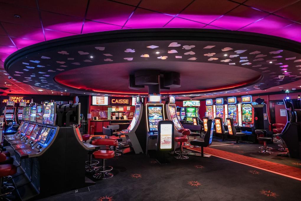 casino circus carnac_salle de jeux carnac