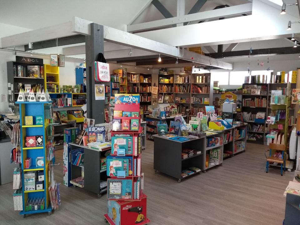 livres_Commerces-librairie-p'tit-monde-de-zabelle-carnac-morbihan-bretagne-sud