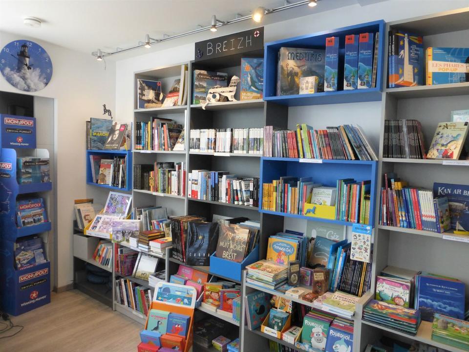 Commerces-librairie-p'tit-monde-de-zabelle-carnac-morbihan-bretagne-sud