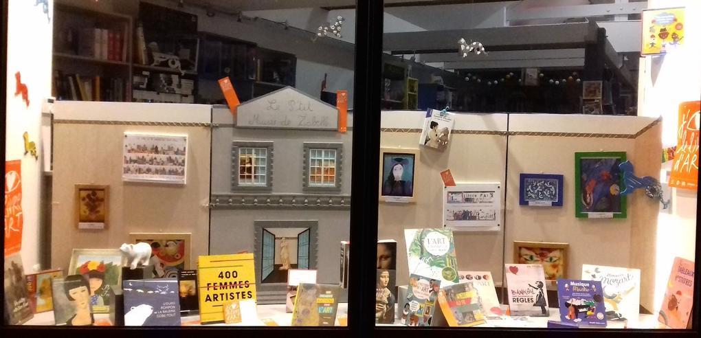 vitrine_Commerces-librairie-p'tit-monde-de-zabelle-carnac-morbihan-bretagne-sud