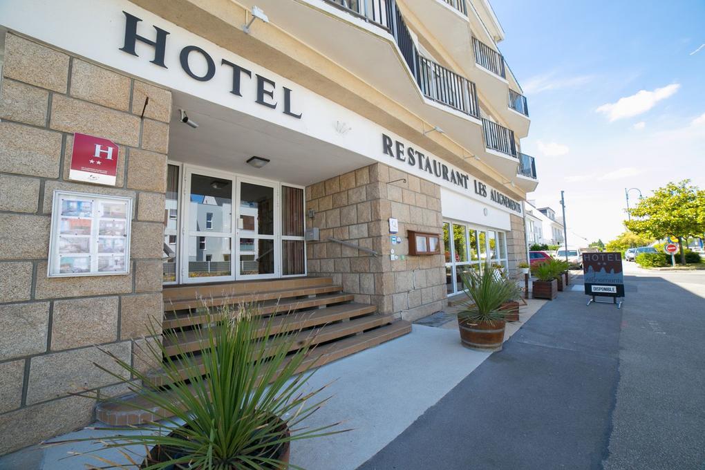 façade_hebergement_hotel-les-alignements-carnac_Morbihan-Bretagne-Sud