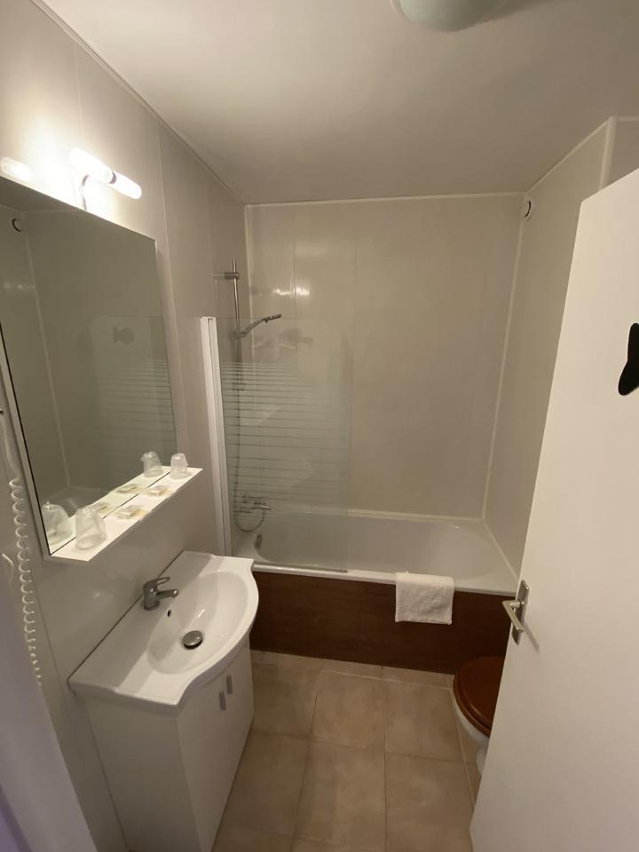 salle de bain Hôtel les alignements Carnac