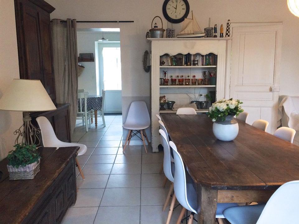 salle_hebergement-meuble-villa-bearn_carnac