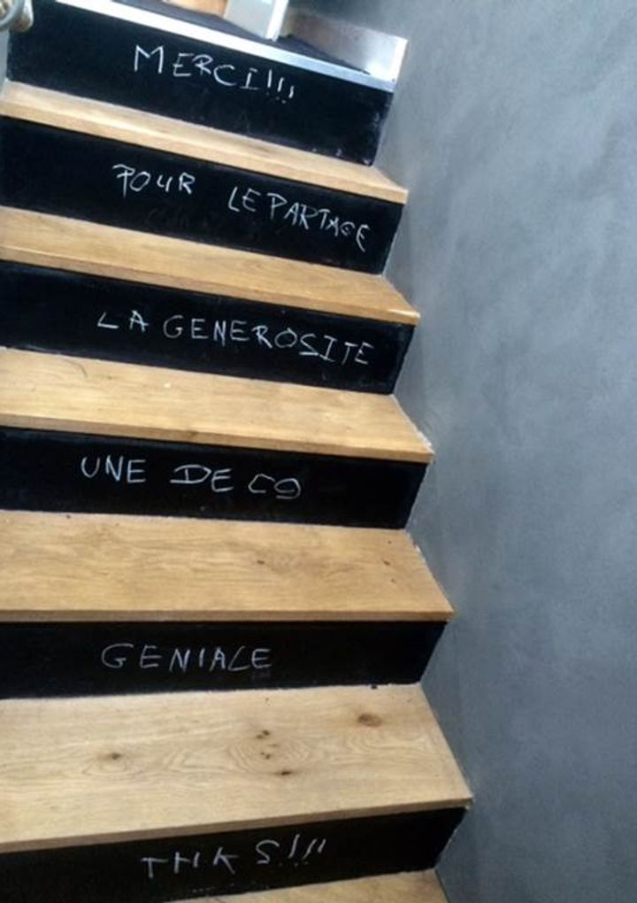 meublé-batolune-Carnac-Morbihan-Bretagne-sud-escalier-messages