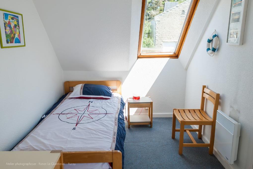 chambre2_Hébergement_meublé_location_kerlena_Carnac_Morbihan-Bretagne-Sud
