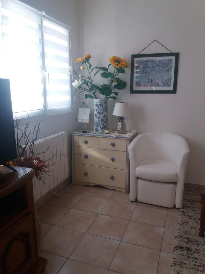 salon-sejour_hebergement-meuble_hebergement-les-cigales_carnac