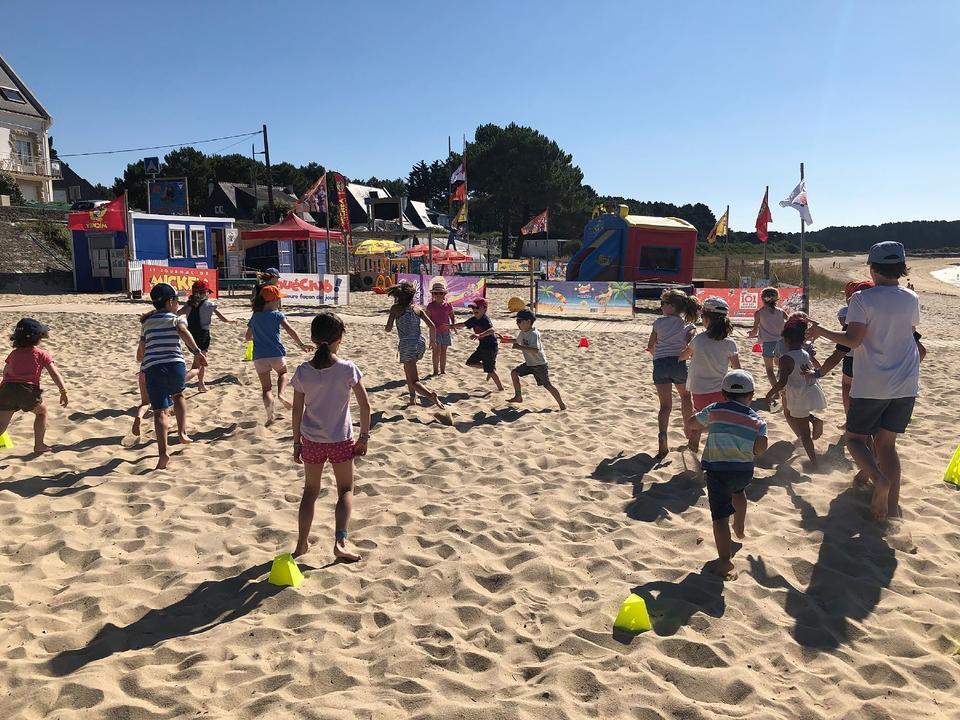 jeux-sable_activites-enfants_activites-nautiques_club-de-plage-men-du_carnac