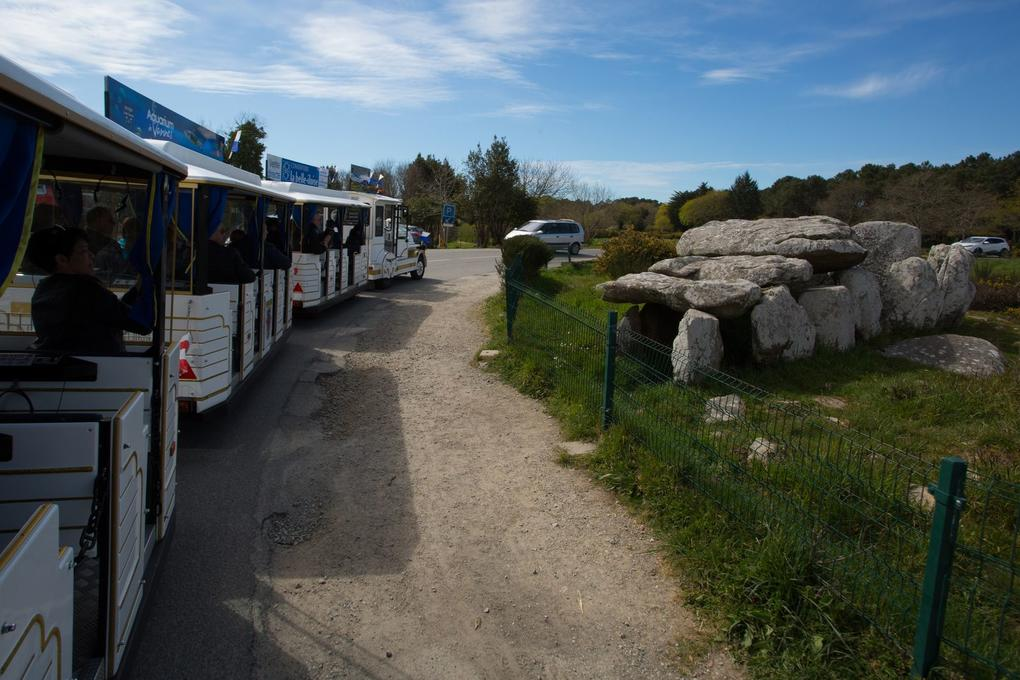 dolmen_kermario_petit-train_touristique_visite-guidee-carnac