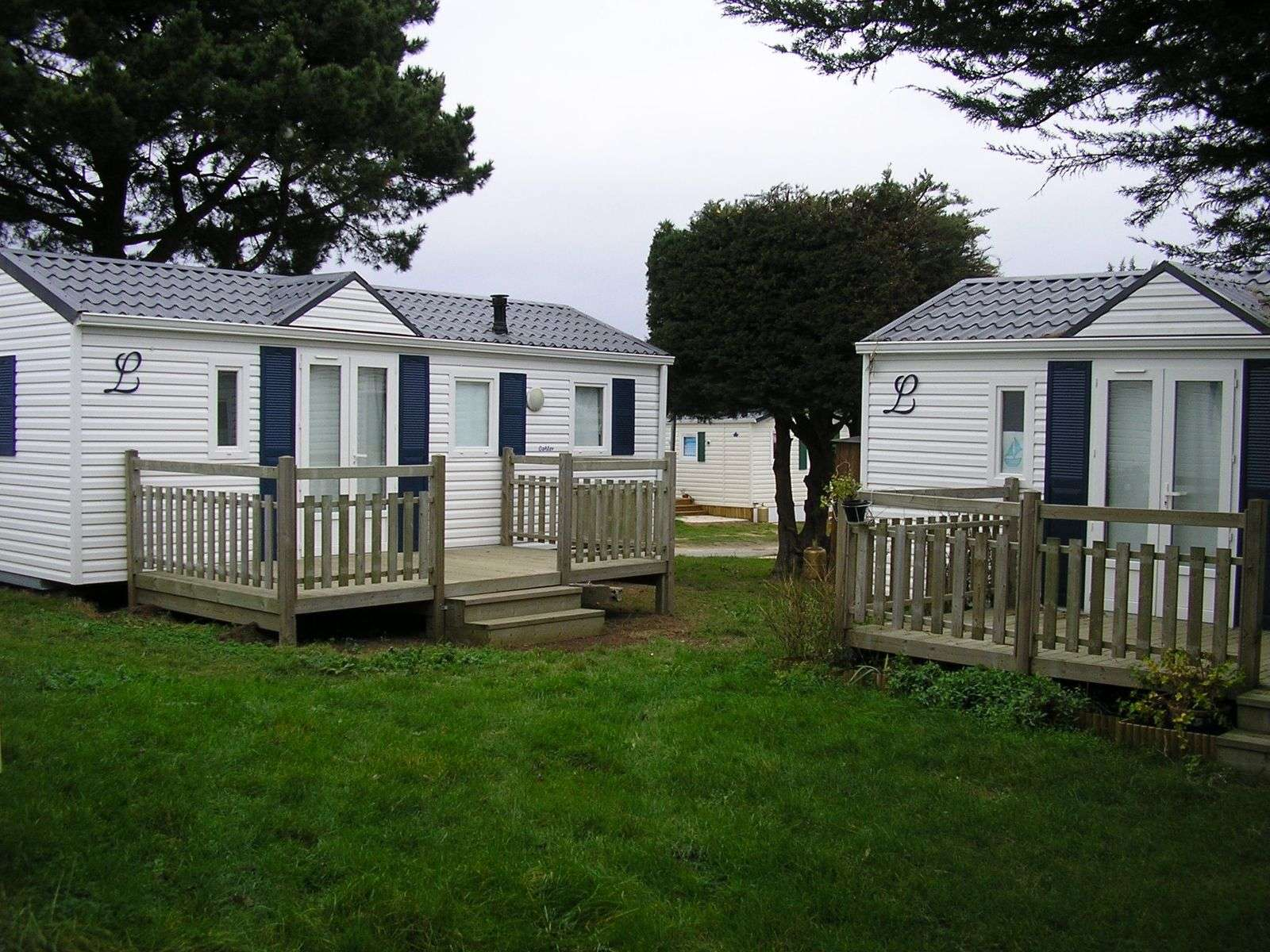mobil-home_exterieur_hebergement_camping-de-l-ocean_carnac