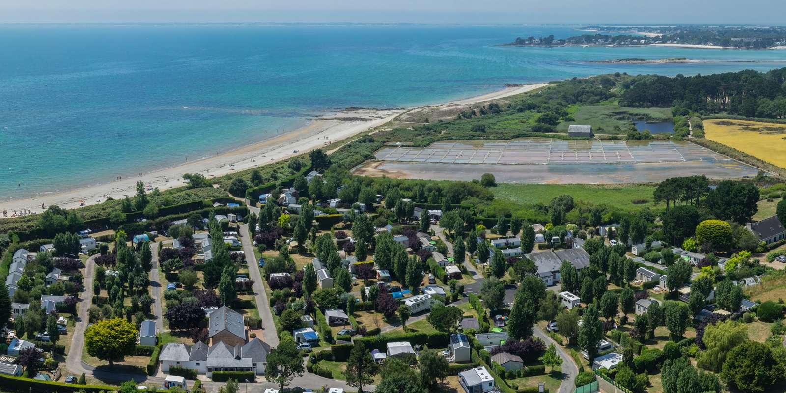 vue-du-ciel_hebergement_camping-de-la-plage_la-trinite-sur-mer