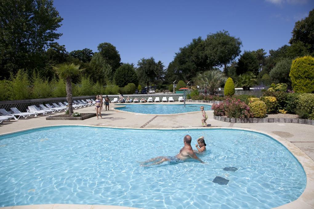 espace-aquatique_piscine_camping-le-domaine-de-kermario_carnac